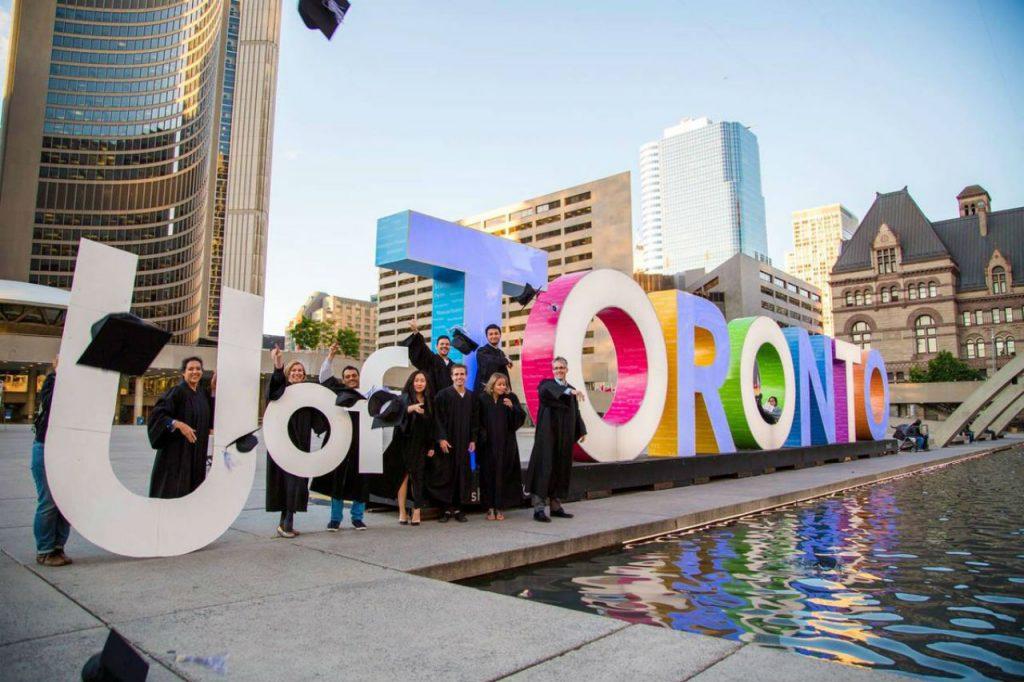 Toronto có rất nhiều trường cao đẳng nổi tiếng