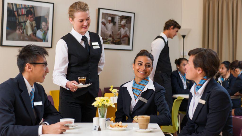 Singapore cũng được đánh giá đào tạo ngành du lịch khách sạn chất lượng.