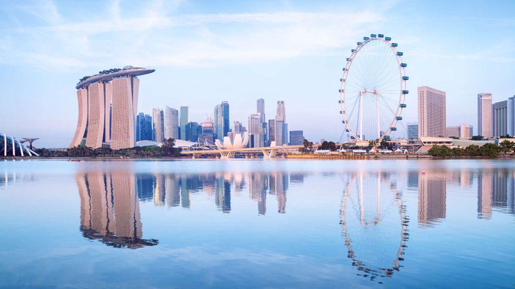 Singapore sử dụng tiếng Anh là ngôn ngữ chính.