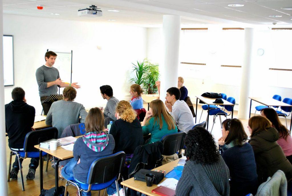 Học tiếng Anh tại Singapore mở ra cơ hội du học tại các nước phát triển khác.