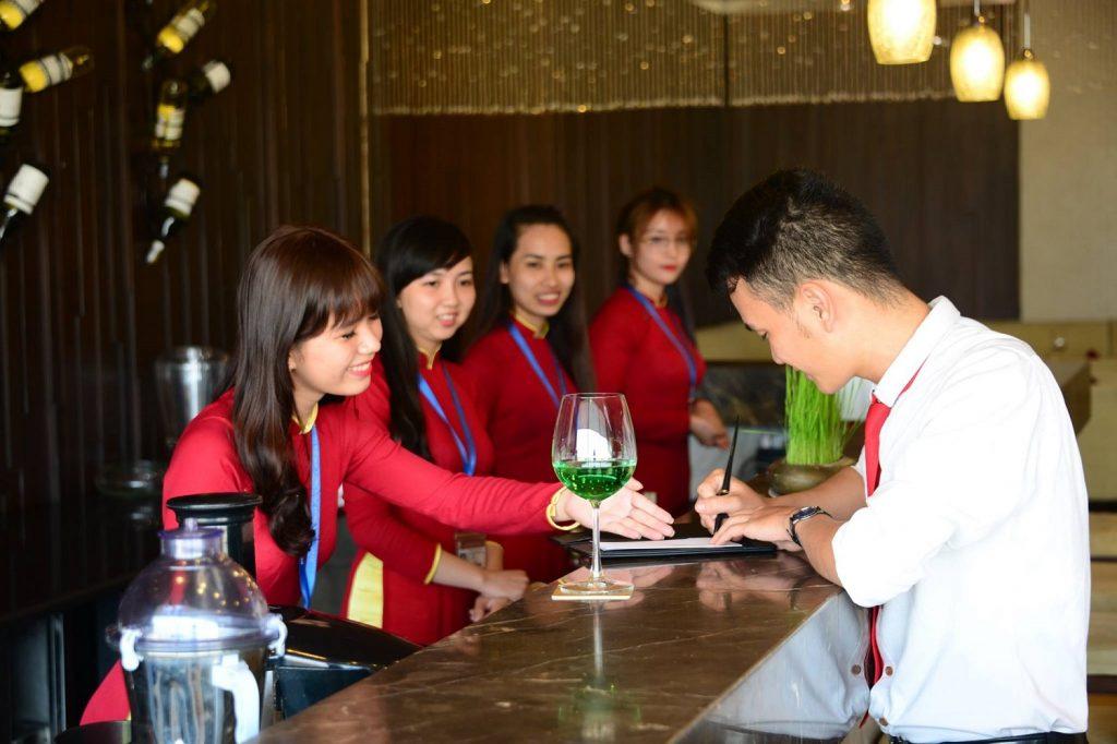 Hà Nội có nhiều trường đào tạo ngành quản trị nhà hàng khách sạn chất lượng.