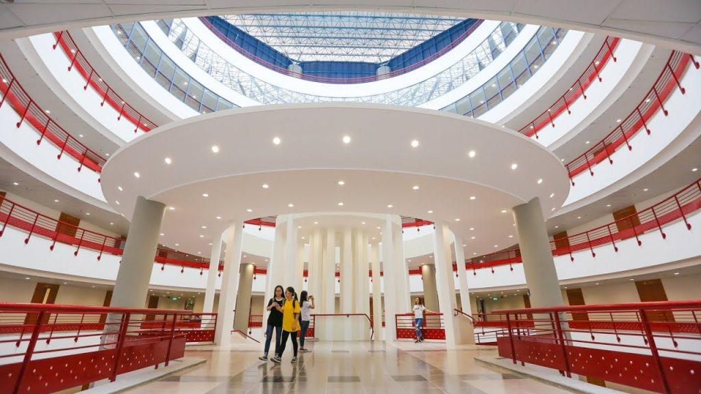Đại học Kinh tế Quốc dân dào tạo ngành quản trị khách sạn.