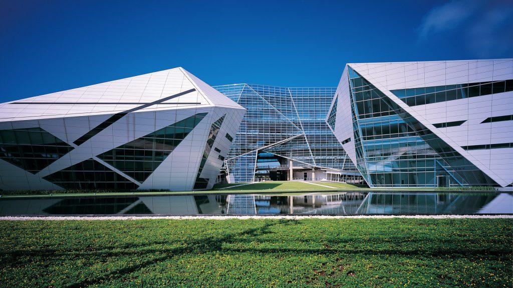 Đại học Bangkok được chia ra làm 2 khuôn viên chính là city campus và rangsit campus.