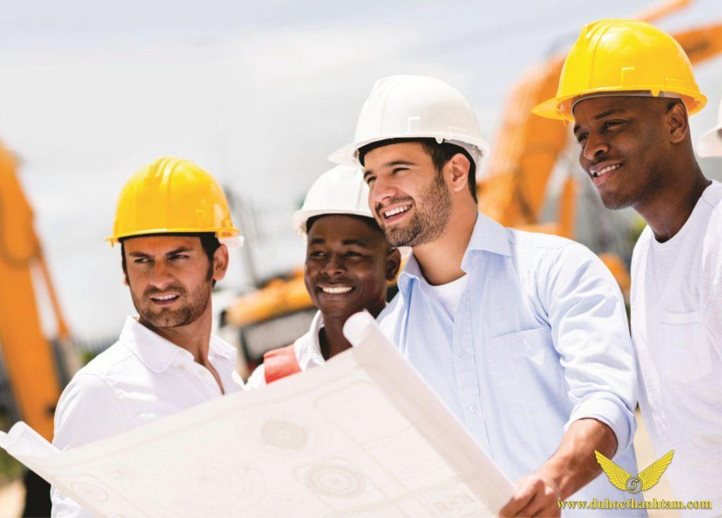Theo học ngành xây dựng và thương mại giúp bạn có cơ hội định cư ở Canada