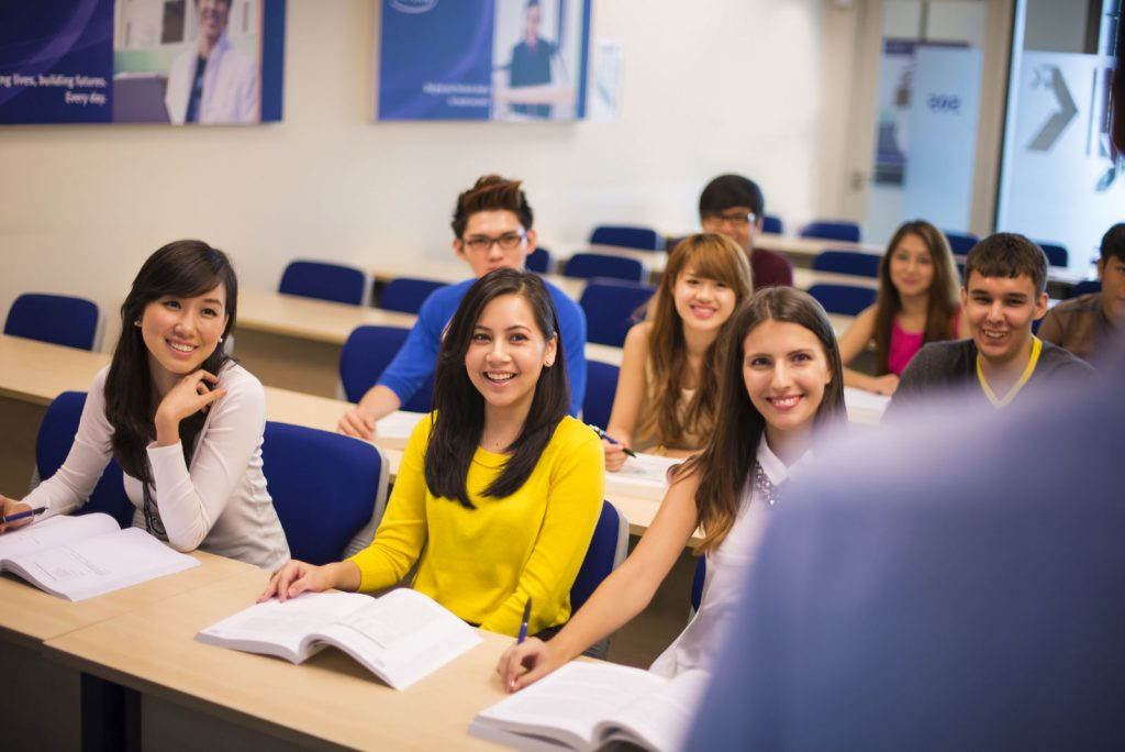 Thời gian học trương trình trung học phổ công lập thông kéo dài từ 2-3 năm