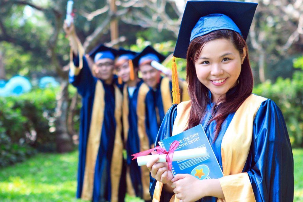 Học bổng du học do từng trường cấp.