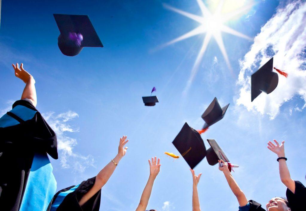 Du học là lựa chọn của nhiều học sinh sinh viên Việt Nam