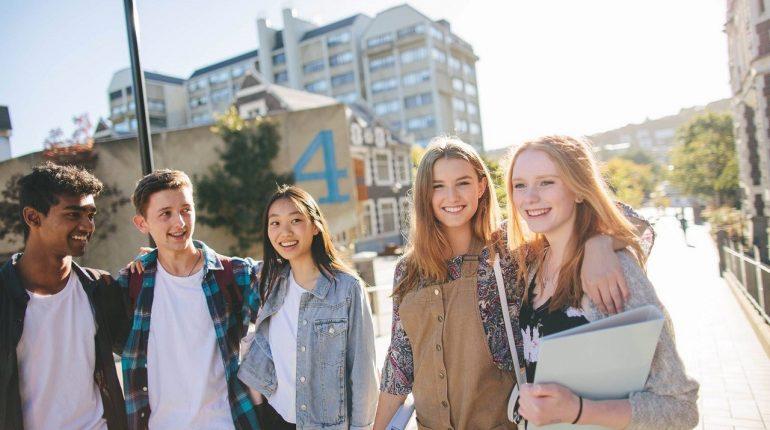 Chi phí du học New Zealand không quá cao